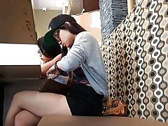 2 thiếu niên dễ thương châu á