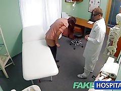 Fakehospital sinh viên đã thanh toán thay thế thân mật